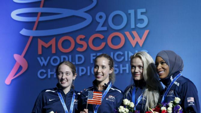 Bronze medals winners in the women's team sabre competition pose for a picture at the World Fencing Championships in Moscow, Russia, July 17, 2015 (Reuters Photo)