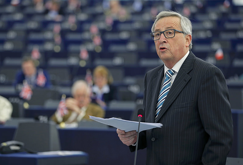 European Commission President Juncker addresses European Parliament in Strasbourg, France, February 3, 2016 (Reuters)