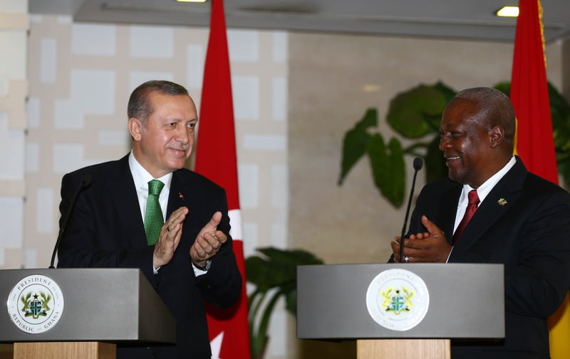President Erdou011fan (L) and Ghanian President Mahama (R) held a joint press conference after having individual and inter-delegation meetings in Accra yesterday.