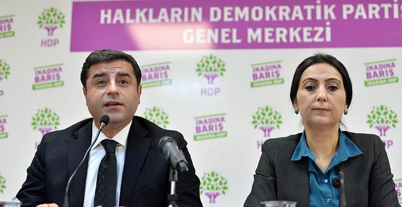 HDP co-chairs Selahattin Demirtau015f (L) and Figen Yu00fcksekdau011f (R) (AFP Photo)
