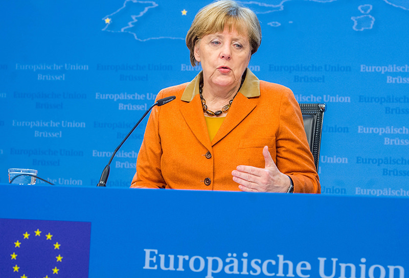 German Chancellor Angela Merkel gestures as she speaks during a press conference at the end of an extraordinary summit of European Union leaders with Turkey in Brussels, Belgium, 08 March 2016 (EPA Photo)