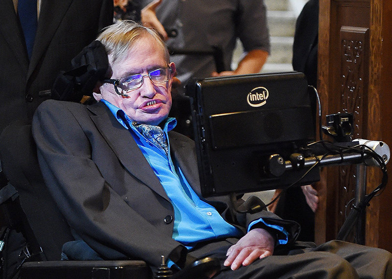 British scientist Stephen Hawking arrives for a press conference in London, Britain, 20 July 2015. (EPA Photo)