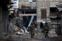 Turkish soldiers patrol in Sur district, in the southeastern city of Diyarbakır, Feb. 26, 2016 (Reuters)