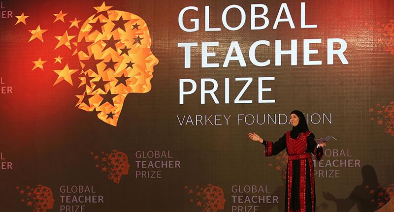 Palestinian primary school teacher Hanan al-Hroub speaks after she won the second annual Global Teacher Prize, in Dubai, United Arab Emirates, Sunday, March 13, 2016 (AP Photo)