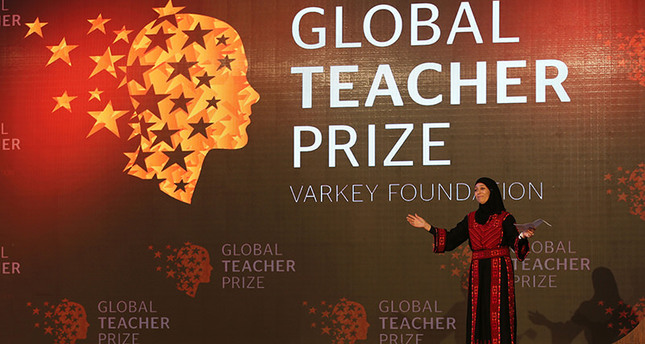Palestinian primary school teacher Hanan al-Hroub speaks after she won the second annual Global Teacher Prize, in Dubai, United Arab Emirates, Sunday, March 13, 2016 (AP Photo)