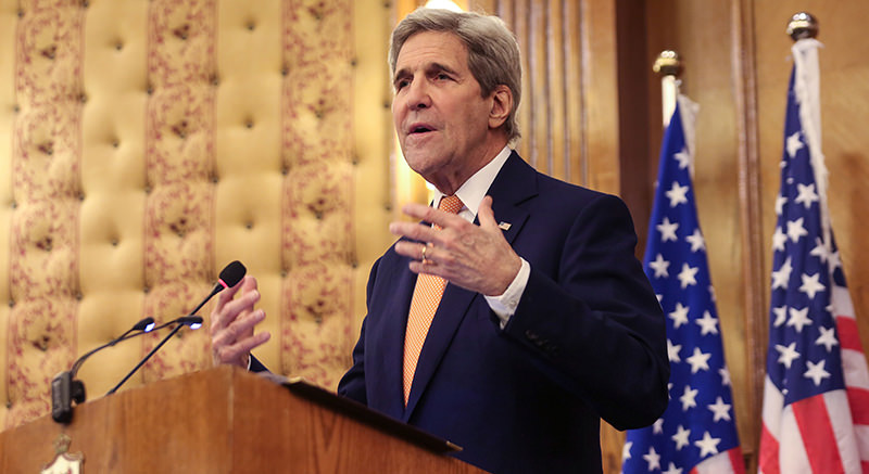 Secretary of State John Kerry gestures during a joint press conference with his Jordanian counterpart Nasser Judeh (unseen) in Amman, Jordan, Sunday, Feb. 21, 2016 (AP Photo)