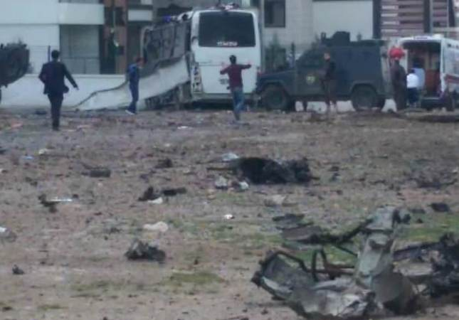 7 officers killed, 27 wounded in Diyarbakır terror attack on police vehicle in southeastern Turkey