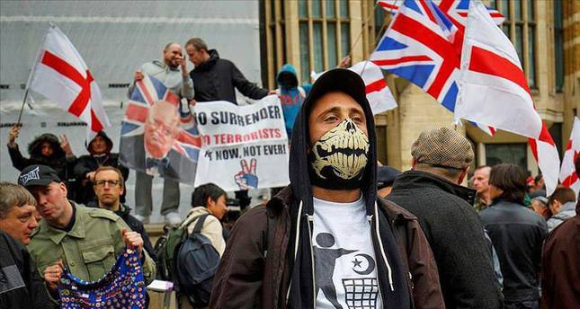 far right extremism in western europe essay Immigration has irreversibly changed western european  investigation of right- wing extremist crimes in germany in the late 1990s, falk et al  scarman and  after: essays reflecting on lord scarman's report, the riots,.