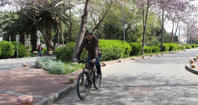 İzmir residents love biking, Facebook group encourages cycling to work