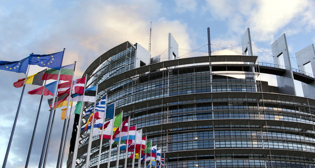 Brussels bomber 'had cleaning job' at European Parliament ...