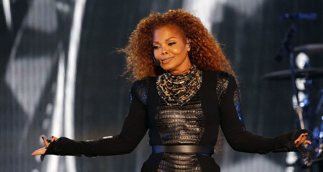 Janet Jackson delays tour to plan family, ordered to rest