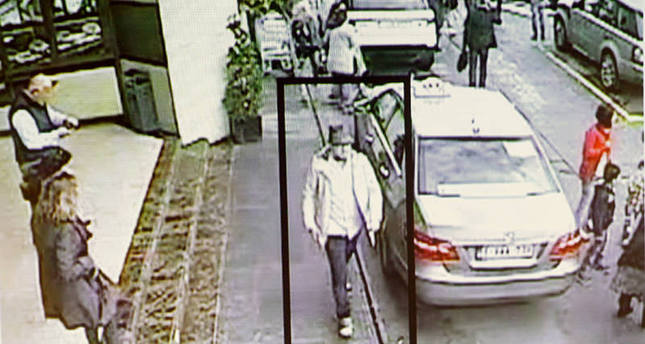 A suspect in the attack which took place at the Brussels international airport of Zaventem, is seen in this CCTV image made available by Belgian Police on April 7, 2016. (REUTERS Photo)