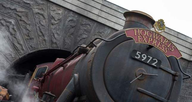 The exterior view of Hogwarts was introduced during the opening of Wizarding World of Harry Potter at Universal Studios Hollywood on April 6.