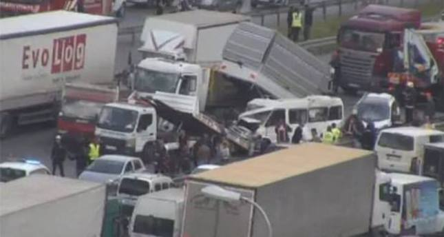 13-car pileup on Istanbul's TEM highway leaves one dead