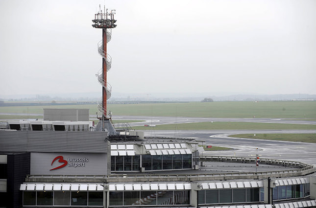 An empty tarmac is pictured at the Brussels Airport in Zaventem, Belgium in this December 15, 2014 file photo (Reuters Photo)