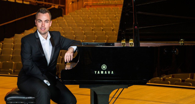 World-famous pianist Nicholas McCarthy to perform in Istanbul