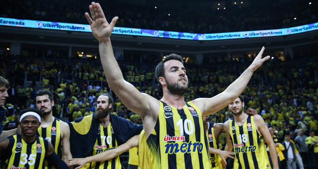 Fenerbahçe close in on Euroleague Final Four, defeating Real Madrid 100-78