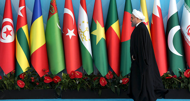 Iranian President Hassan Rouhani arrives the Organisation of Islamic Cooperation (OIC) Istanbul Summit in Istanbul, Turkey April 14, 2016. (Reuters Photo)