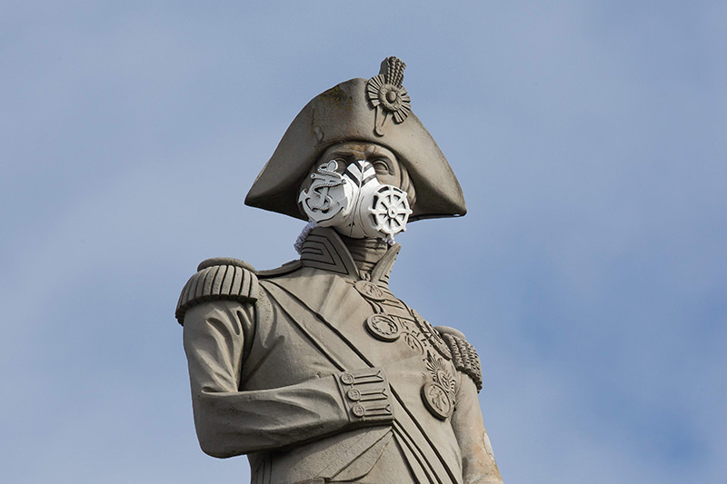 A nautical themed breathing mask is fixed to Lord Nelson's statue at the top of Nelson's Column in Trafalgar Square, central London on 18 April 2016. (AFP Photo)