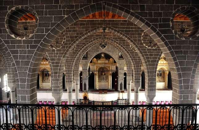 Interior of Surp Giragos Armenian Church in southeastern Diyarbakır province (DHA Photo)
