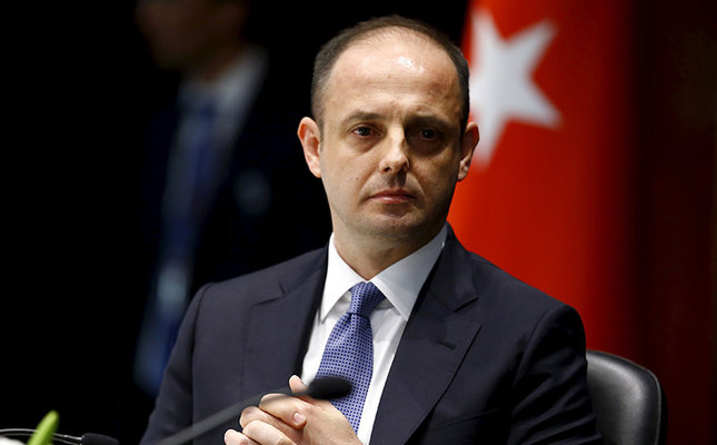 Turkey's new central bank governor Murat Çetinkaya attends a brief ceremony at which he officially took over from former governor Erdem Başçı in Ankara, Turkey, April 19, 2016. (Reuters Photo)