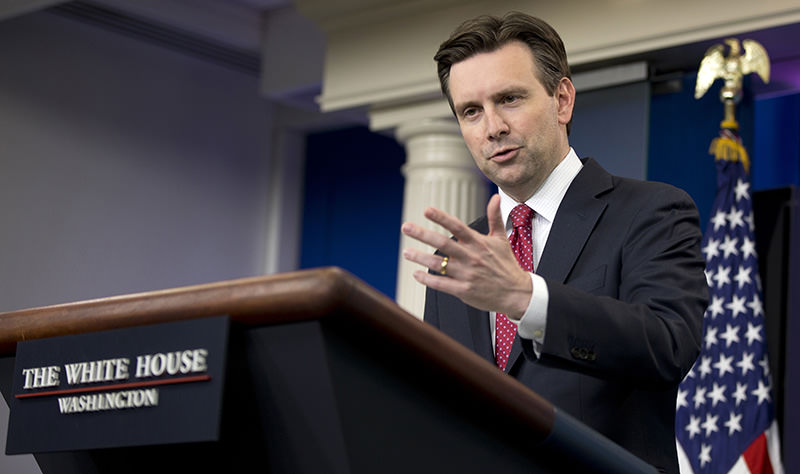 White House press secretary Josh Earnest speaks during the daily news briefing at the White House in Washington, Wednesday, April 13, 2016 (AP Photo)