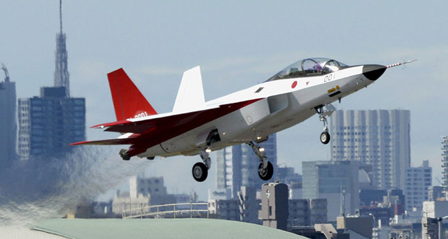 A prototype of the first Japan-made stealth fighter X-2 Shinshin, formerly called ATD-X, takes off to mark its maiden flight at Nagoya Airfield, also known as Komaki Airport, in Aichi prefecture, central Japan April 22, 2016. (Kyodo via Reuters)