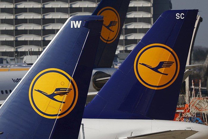 Planes of the Lufthansa airline stand on the tarmac in Frankfurt airport, Germany, in this file picture taken March 17, 2016 (Reuters Photo)