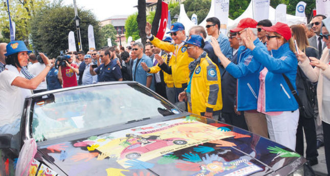 Thousands of drivers gather for peace rally from Germany to Turkey