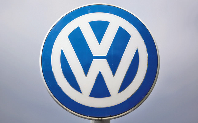 Volkswagen vows to fix diesels, launch new electric vehicles