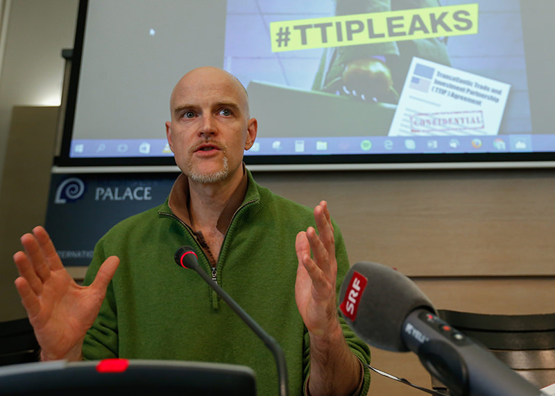 Jorgo Riss, the director of Greenpeace EU, addresses a news conference to comment the findings from analysis of the negotiating texts of the Transatlantic Trade and Investment Partnership. (EPA Photo)