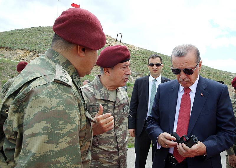 President Recep Tayyip Erdou011fan with Turkey's Chief of Staff Hulusi Akar (IHA Photo)
