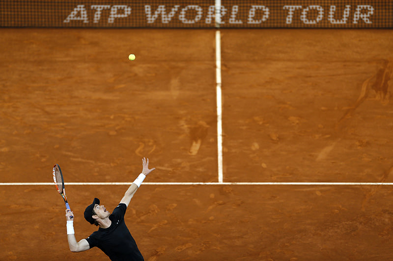 Andy Murray, from Britain, serves against Radek Stepanek, from Czech Republic, during a Madrid Open tennis tournament match in Madrid, Spain, Tuesday, May 3, 2016. (AP Photo)