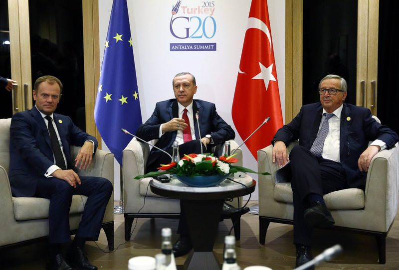 EU Council President Tusk (L), President Erdou011fan (C) and European Commission President Juncker (R) in a meeting at the G20 Summit in Antalya on Nov. 16, 2015.