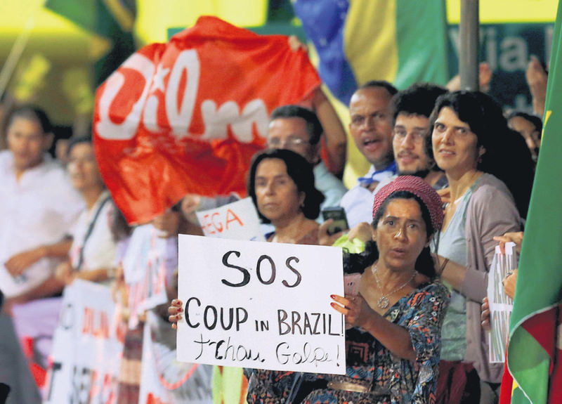 Supporters of Brazilian President Dilma Rousseff participate in a demonstration protesting her impeachment in Brasilia, Brazil, on May 10. (Reuters Photo)