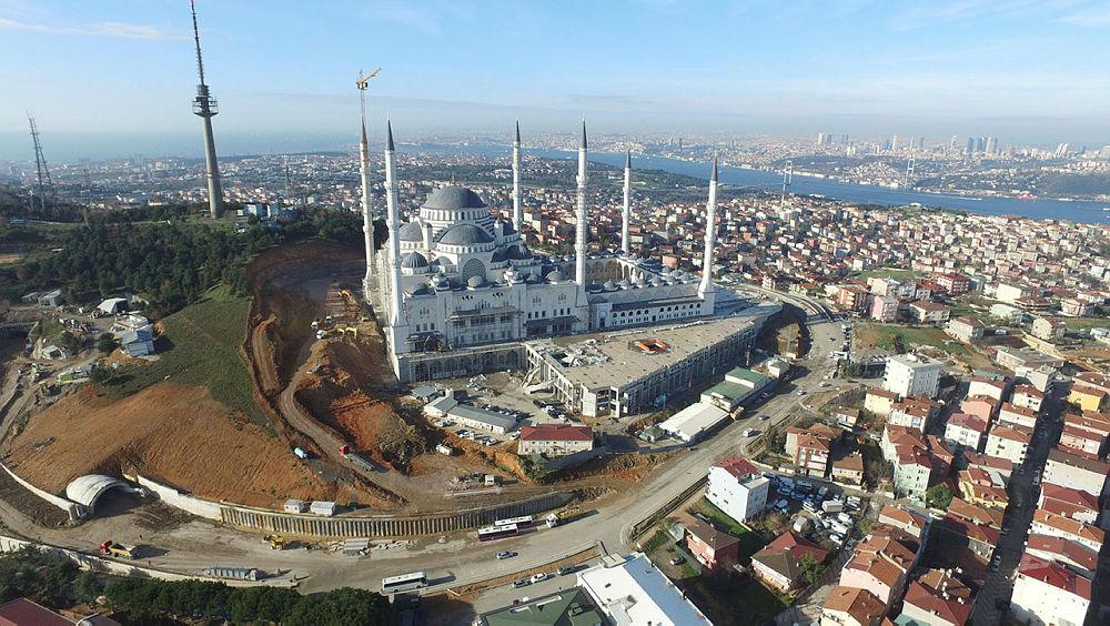Большая Стамбульская Мечеть Чамлыка встретит верующих в Рамадан 2018 года