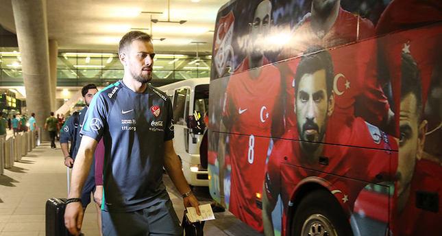 لاعبو المنتخب التركي يصلون الدوحة للخوض المباراة الودية مع المنتخب القطري يوم الجمعة