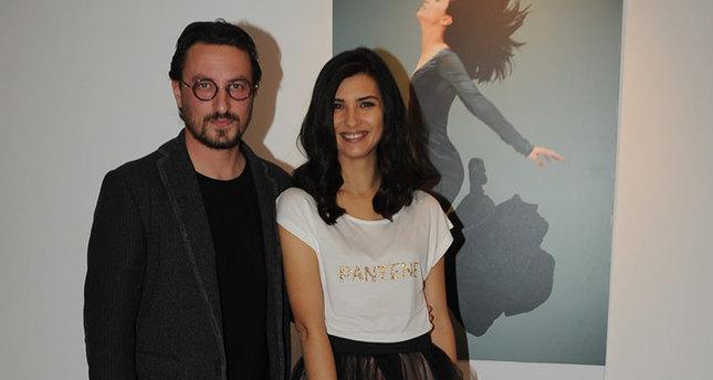 النجمة التركية توبا تلعب في فيلمها الجديد دور أم زوجها في الواقع