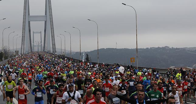 30 ألف متسابق يشاركون في ماراثون من اسيا الى اوروبا في اسطنبول