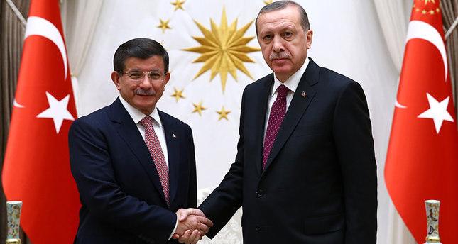أردوغان يكلف داود أوغلو بتشكيل الحكومة الجديدة