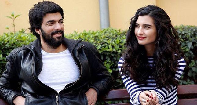 بطلا المسلسل التركي العشق الأسود يحصلان على لقب أفضل ممثل وممثلة