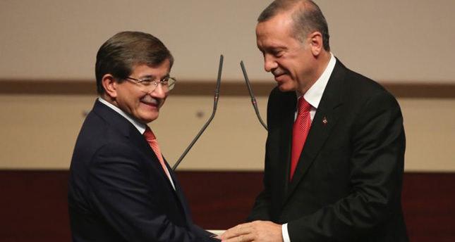 داوود أوغلو يلتقي بأردوغان قبيل البدء بتشكيل الحكومة الجديدة