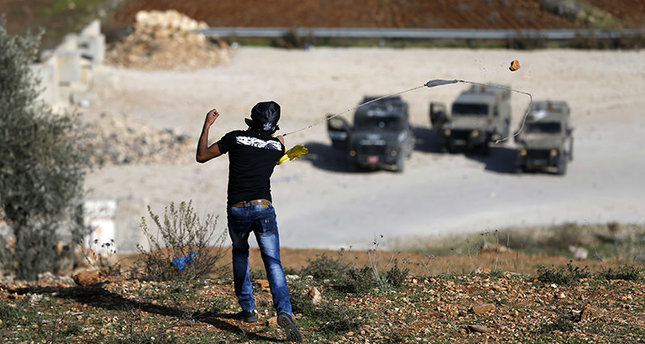 111 اصابة في مواجهات الضفة الغربية، واسرائيل ترجح استمرار الهبة الفلسطينية