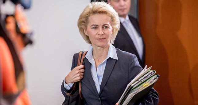 وزيرة الدفاع الألمانية تزور تركيا قبيل التصويت على المشاركة الجوية في سوريا