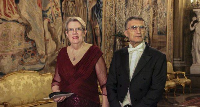العالم التركي، عزيز سنجار، برفقة زوجته غوين سنجار.