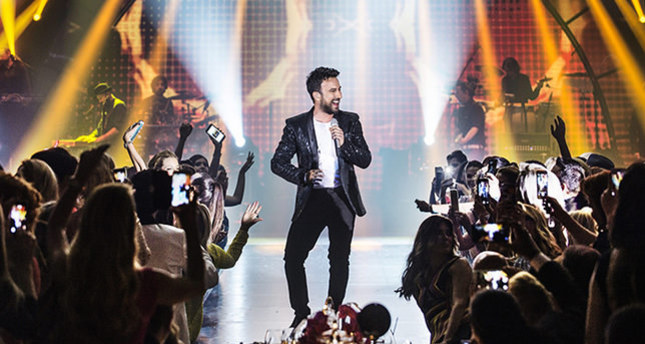 مغني البوب التركي تاركان ينفي الأنباء عن تلف تسجيلات البومه الجديد