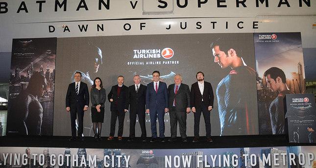الخطوط الجوية التركية تحظى بعقد رعاية فيلم باتمان وسوبرمان: فجر العدالة