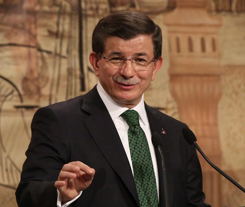 Weihnachtsbotschaft vom Ministerpräsidenten Davutoğlu - Daily Sabah