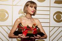 Taylor Swift räumt bei Grammy-Verleiung ab