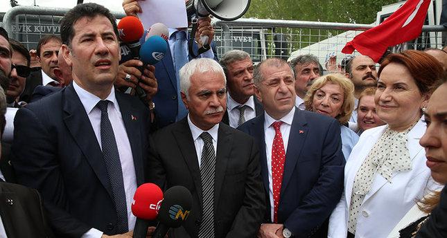 Sinan Oğan, Koray Aydın, Ümit Özdağ und Meral Akşener (AA Foto)